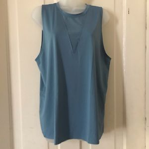 NWT ONZIE TRIANGLE MESH TANK TOP